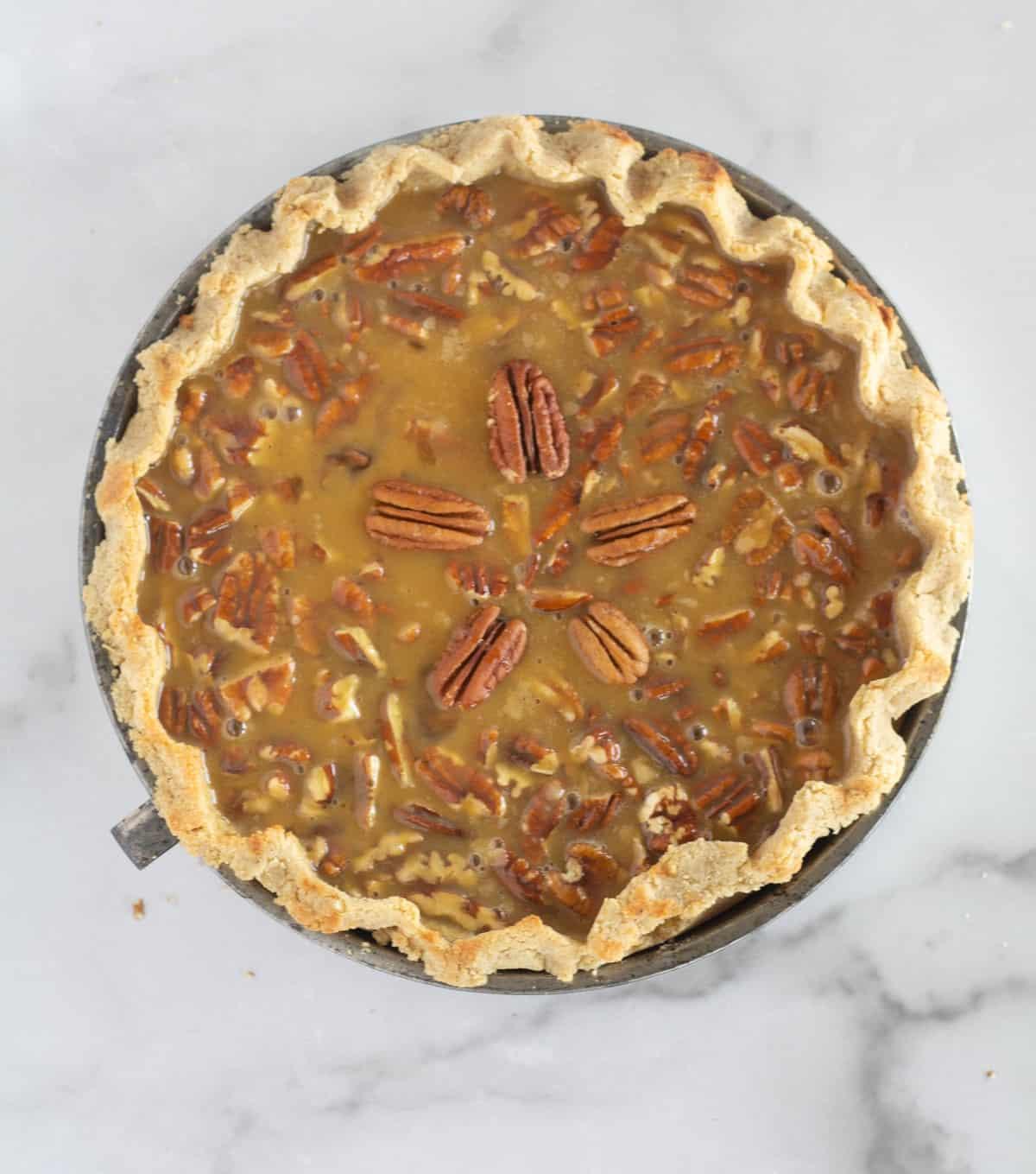 unbaked pie in pie pan